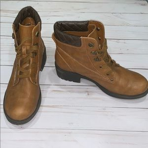 White Mountain Brown Ankle Boots Size 6.5